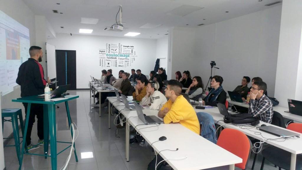 Aprende las nuevas profesiones con el master de marketing digital de AulaCM