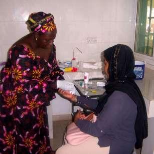 El propósito de ARAMBIA es cooperar con los más desfavorecidos, que, en este caso, son las mujeres y los niños