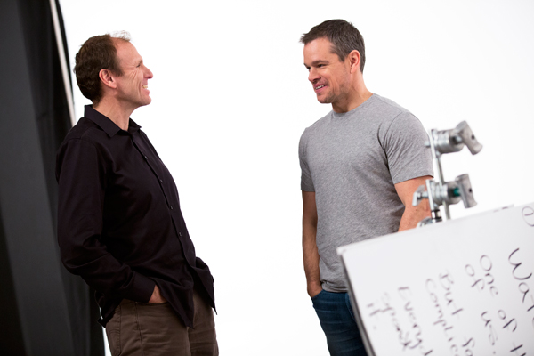 Gary-Whita-y-Matt-Damon,-co-fundadores-de-Buy-a-Lady--Drink