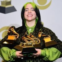 Billie Eilish arrasó en los premios Grammy