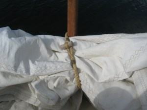 soft shackle sail tyer