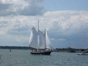 Gaff-rigged Schooner Aquidneck under sail.