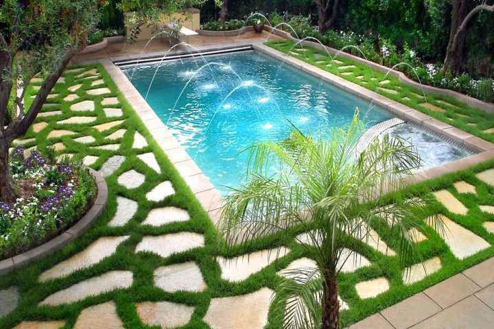 5 reasons why you should include a pool in your garden
