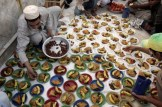Pakistani Muslims prepare to break fast at a mosque in Lahore