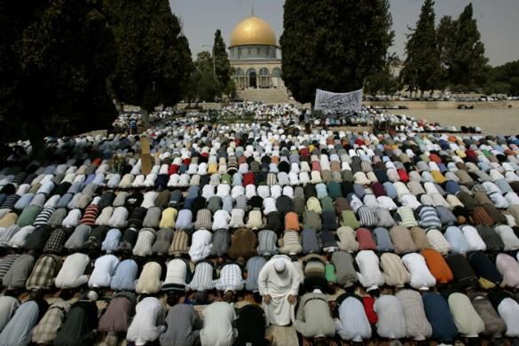 Palestinian Muslims pray at Al-Aqsa mosque during Ramadan