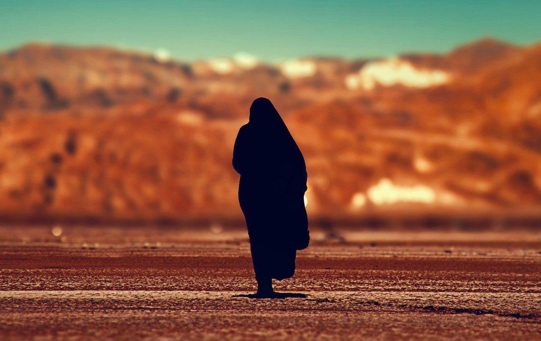 Estimation du nombre élevé de femmes arabes qui dépassent l'age du zawaj