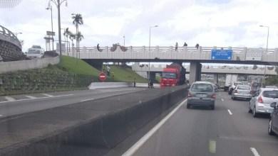 Photo of Un convoi exceptionnel est resté bloqué sur l'autoroute au niveau du pont de Californie