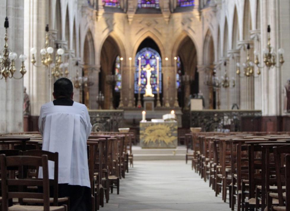 France : un prêtre décède en pleine messe de minuit !