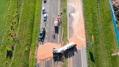 Photo of Pologne : un camion transportant 12 tonnes de chocolat se renverse sur une autoroute
