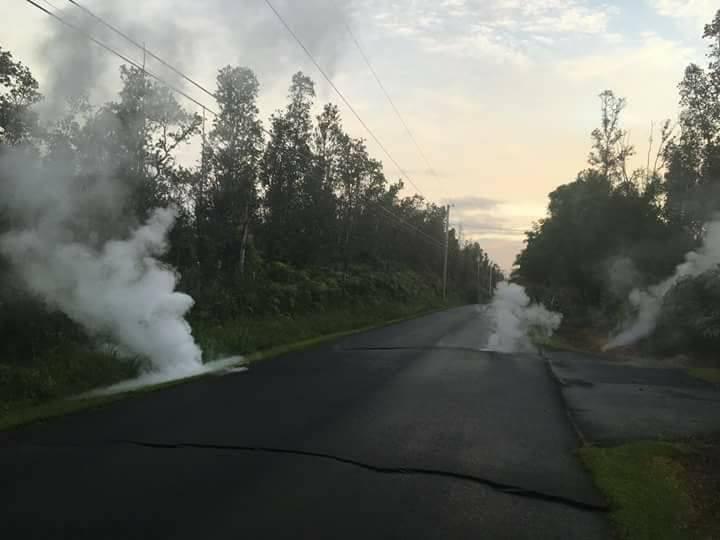 Plusieurs séismes et une éruption volcanique à Hawaï. La nature se déchaîne