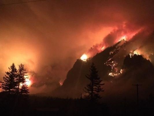 Un ado de 15 ans condamné à 37 millions de dollars d'amende pour déclenchement d'un incendie