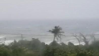 Photo of (VIDÉO) La tempête tropicale ISAAC aux portes de la Dominique avec ses premières rafales