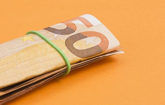 Attention à l'arnaque du billet de 50 euros sur votre pare-brise