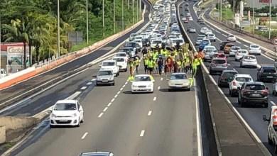 Photo of (VIDÉO) Les gilets jaunes sont à pied sur l'autoroute. Ils provoquent de gros embouteillages