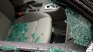 Photo of Des voitures fracturées au centre-ville à Fort-de-France
