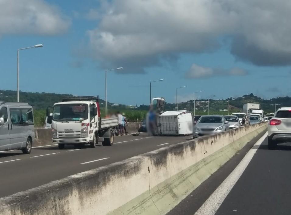 Accident sur la RN5 à Ducos.