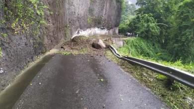 Photo of Un éboulis à Grand-Rivière a bloqué durant plusieurs minutes la circulation ce vendredi