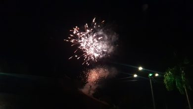 Photo of Le ciel foyalais illuminé par une pluie de feux d'artifices ce lundi soir