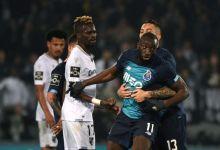 Photo de Un joueur de football victime de cris racistes quitte le terrain en colère à la 71e minute (VIDÉO)