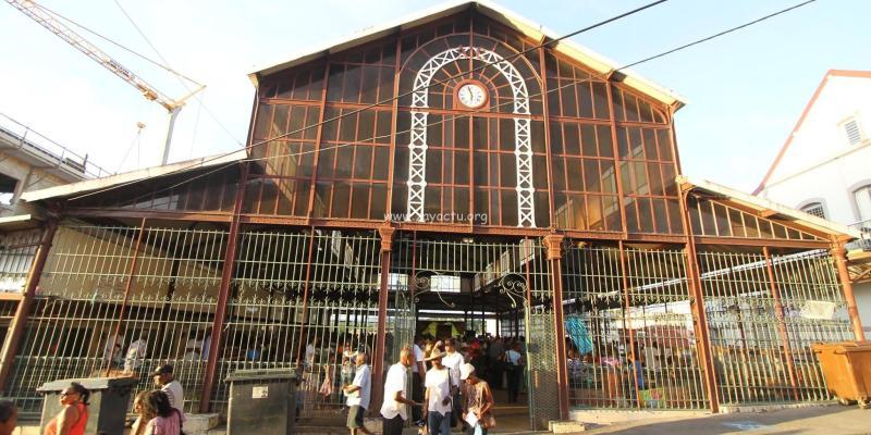 marché couvert de la ville du Lamentin en Martinique