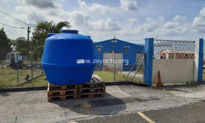 Des citernes d'eau placées au Lamentin