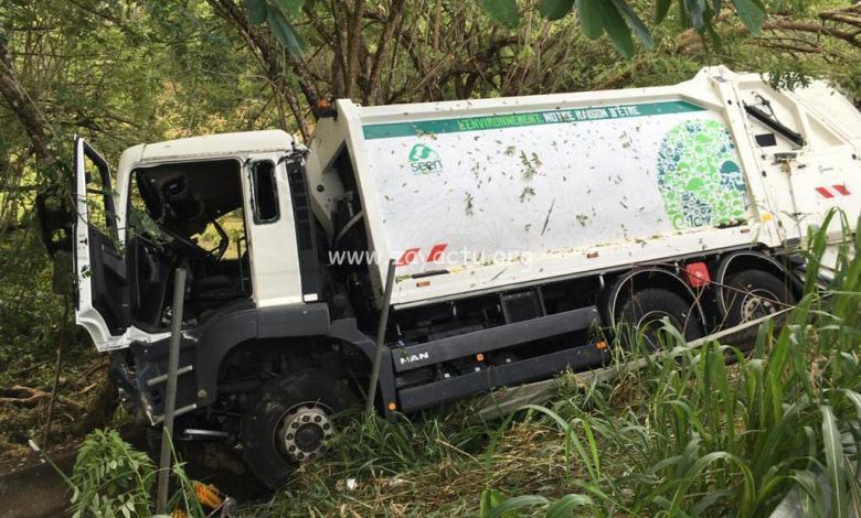 Camion accidenté à Ducos.