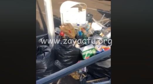 Les déchets sur le parking de Carrère ramassés