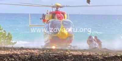 L'hélicoptère de la Sécurité Civile, Dragon 972 en intervention sur la plage du Diamant.