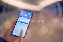Smartphone avec Facebook.