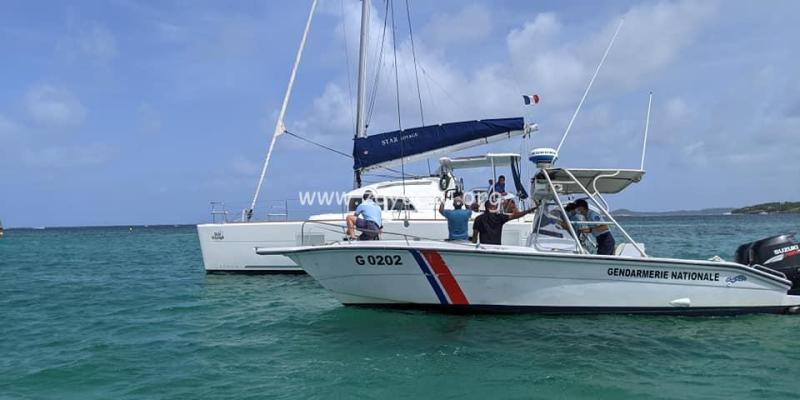 Contrôle de gendarmerie en mer