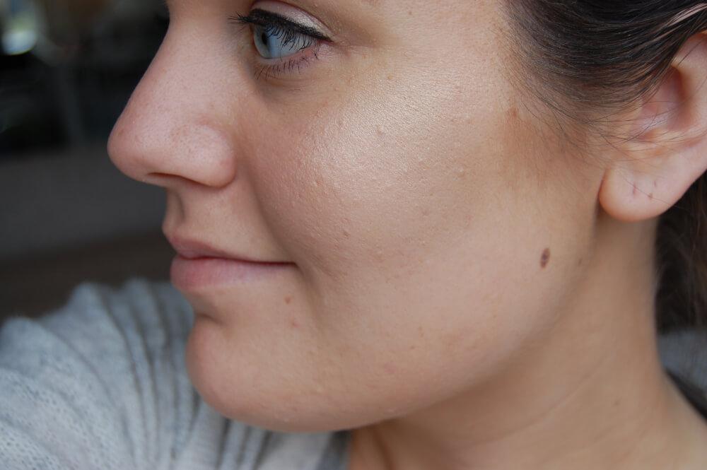 Delilah Cosmetics Pure Light Illuminating Powder