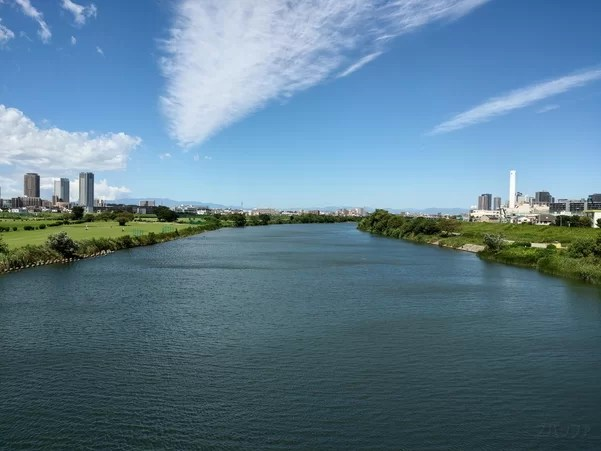 U12+のカメラで撮影した多摩川