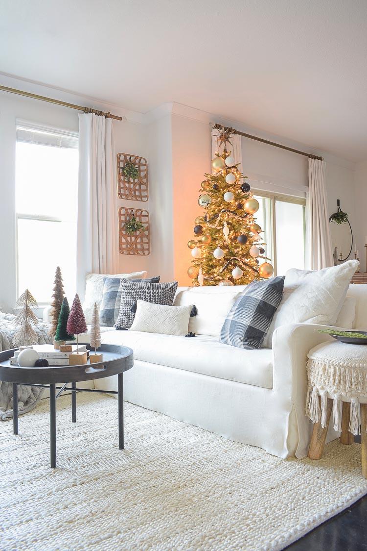 Black White Gold Modern Christmas Living Room Tour