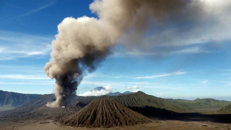 Wilder Planet 13 Vulkane ZDFmediathek