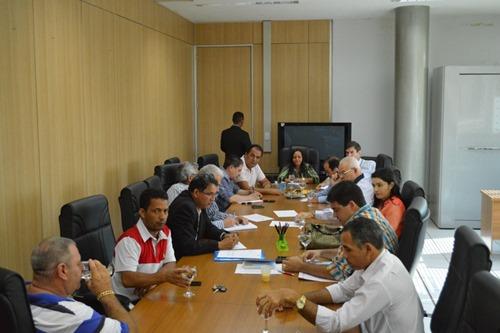 Vereadores e prefeito discutem o ramal ferroviário