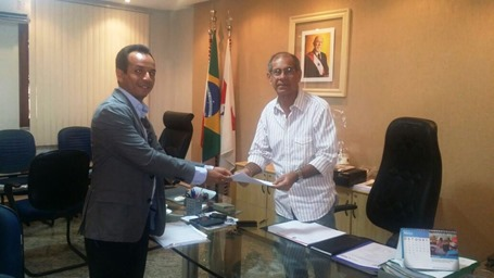 Hipólito Gomes e Seretário de Segurança Pública assinam convênio