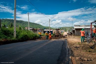 Rua C-01 no Bairro Tropical com novo asfalto