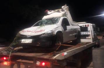 Paciente com Covid-19 morre em capotagem de ambulância na BR-155