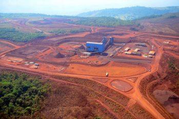 Helder assina licença de instalação do Projeto Serra Leste, que retoma as atividades em dezembro