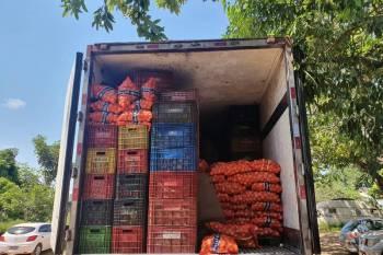 Sefa apreende 4,5 toneladas de açúcar em meio à carga de hortifrutigranjeiros
