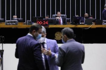 Deputados aprovaram projeto de crédito a alteração na Lei da Improbidade em semana produtiva