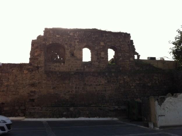 שרידי טבריה העתיקה כיום. צילום: לאה קשת