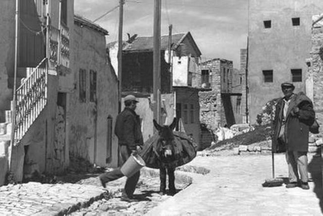 מטאטאי רחובות ערביים בצפת