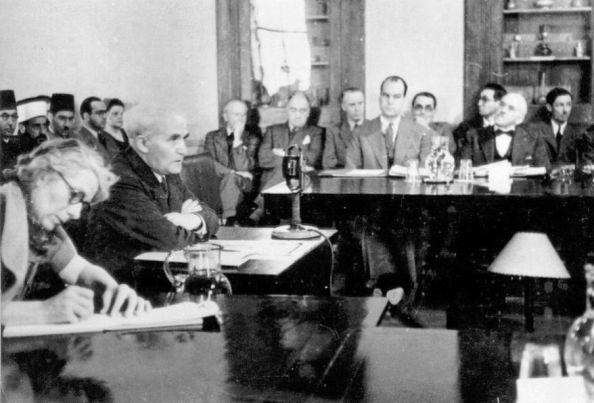 דוד בן גוריון מעיד בפני הוועדה