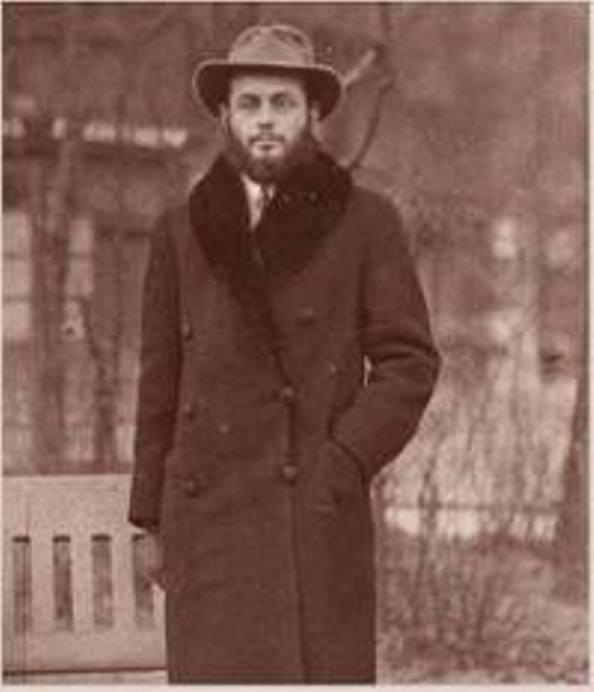 הרבי מלובביץ' בפריז 1937