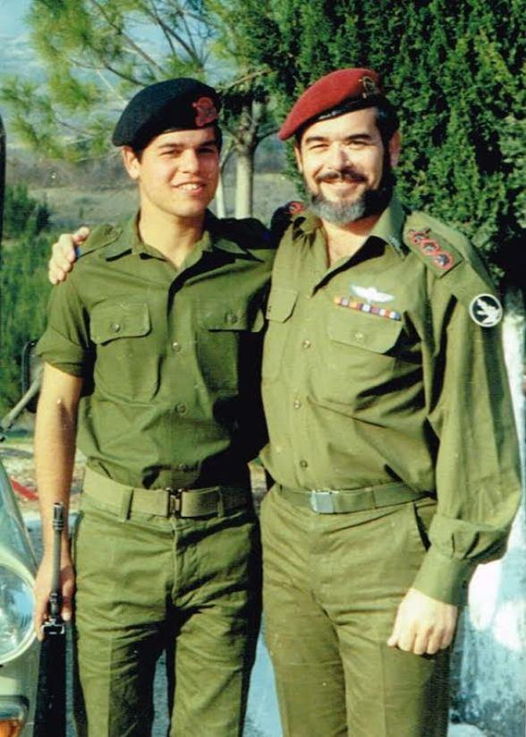 יעקב צור ובנו אייל