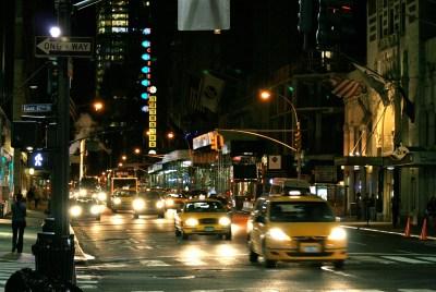 Tommy Pützstück, New York bei Nacht Ecke  47 th