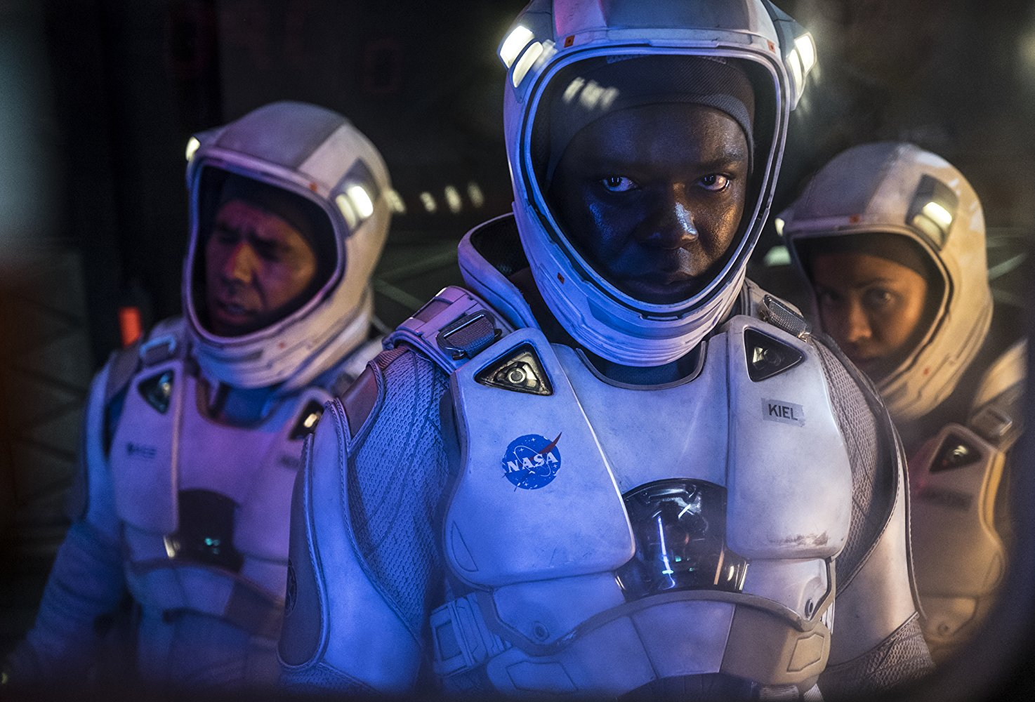 John Ortiz, David Oyelowo, and Gugu Mbatha-Raw as astronauts in THE CLOVERFIELD PARADOX (2018)