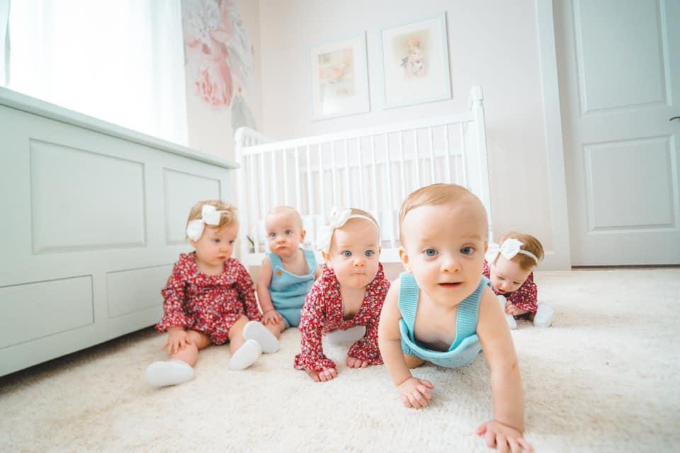 Five Two Love: Scott Family Quintuplets