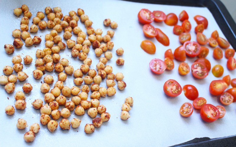 mediterranean spiced roasted chickpeas